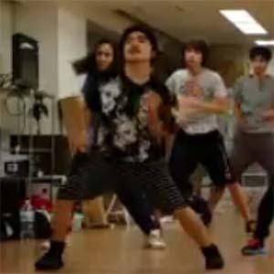 加藤諒さんのダンスレッスンの様子