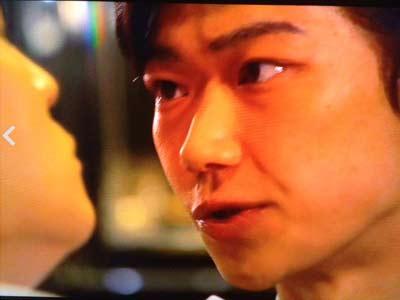 刑事バレリーノの高級クラブ店員が綾野剛に似てると話題!